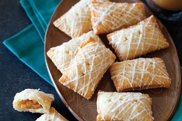 Làm bánh rán nhân táo bằng chảo chống dính