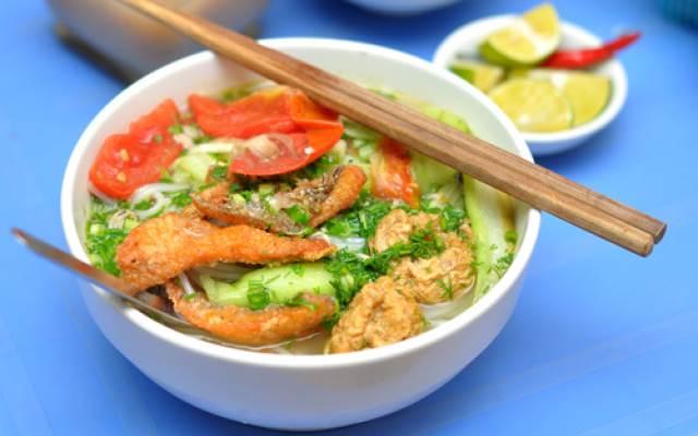 Cách nấu bún cá rô đồng nóng hổi vừa thổi vừa ăn