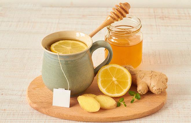 Uống 1 thìa mật ong vào đúng thời điểm để thải độc đường ruột